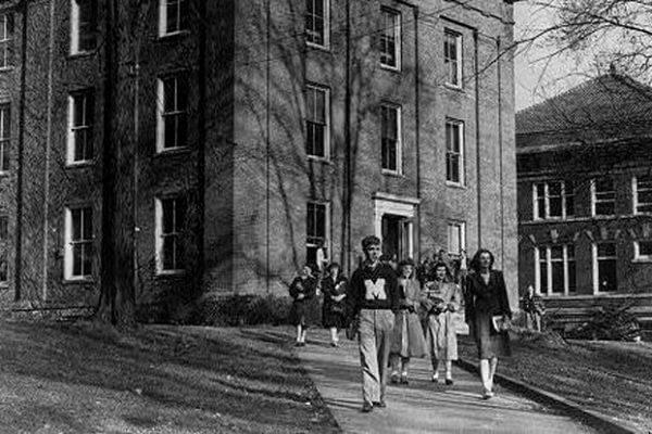 Cemetery Tours: Marietta College Scholars
